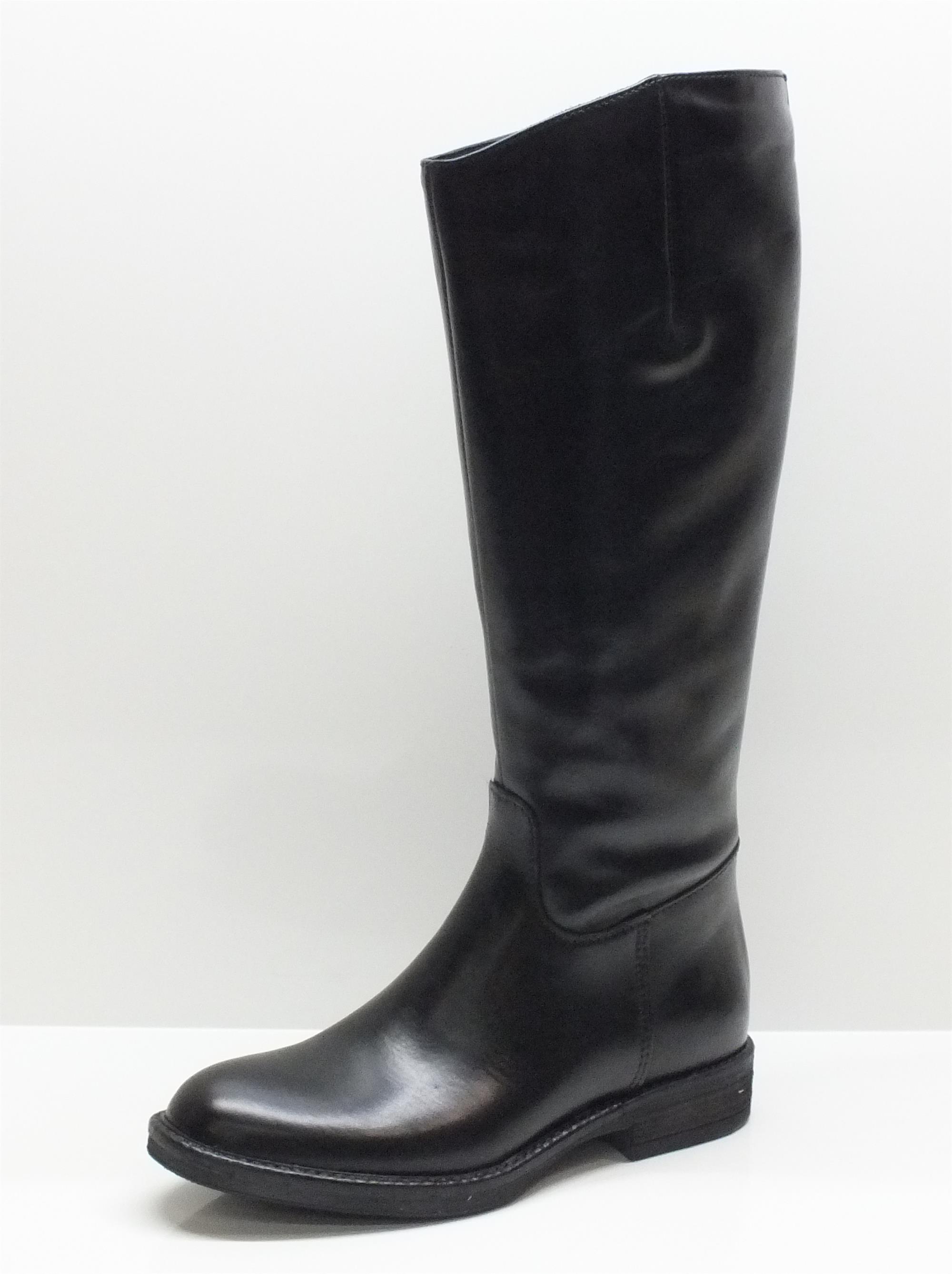 Stivali CafèNoir modello cavallerizzo per donna in pelle nera