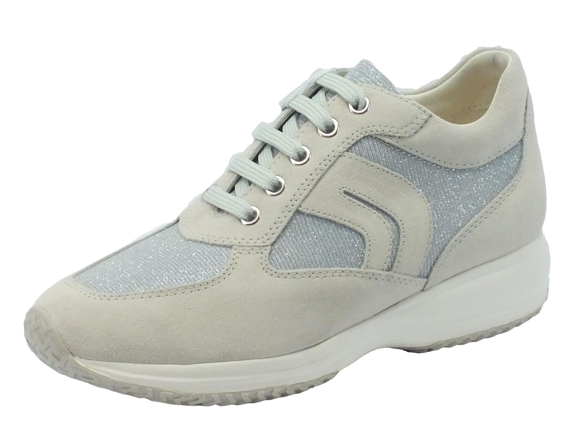 Sneakers Geox per donna in camoscio ghiaccio con dettagli in tessuto  glitterato cf42d3f5a26