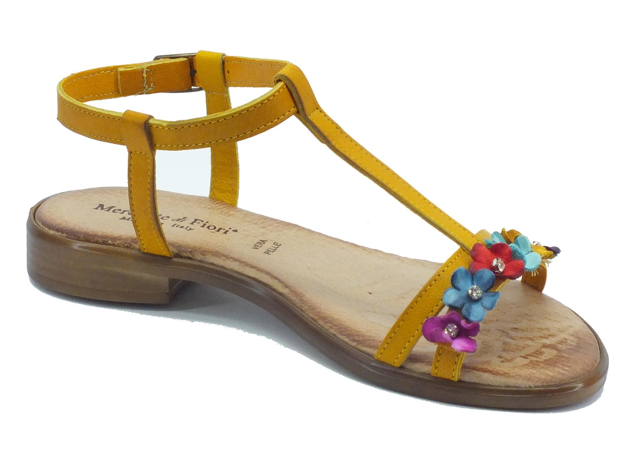 Sandali Mercante di Fiori pelle ocra fiori multicolore - Vitiello ... f18f495013e