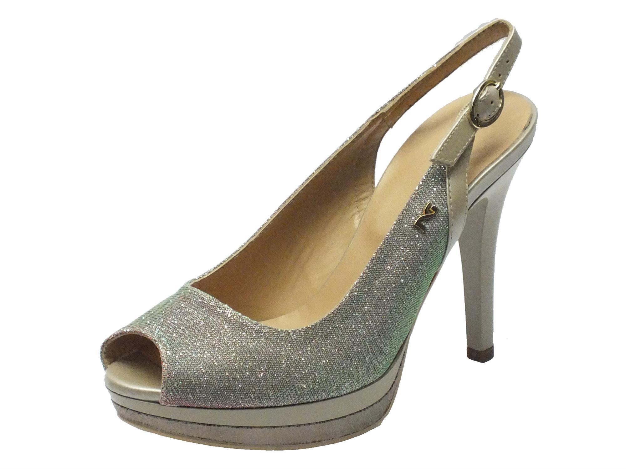 Sandalo NeroGiardini spuntato in glitter argento con tacco alto