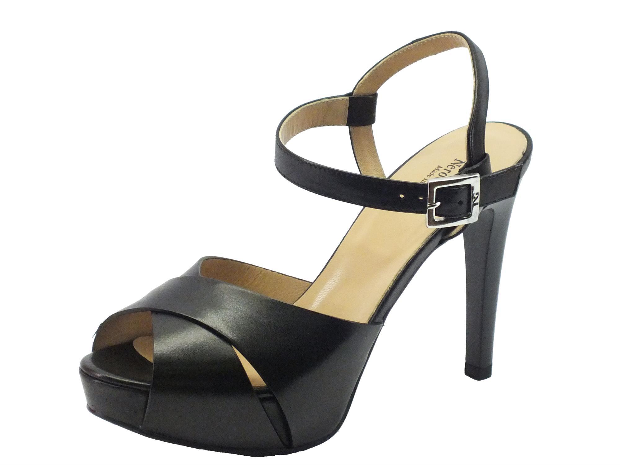 NeroGiardini sandali per donna in pelle nera tacco a spillo