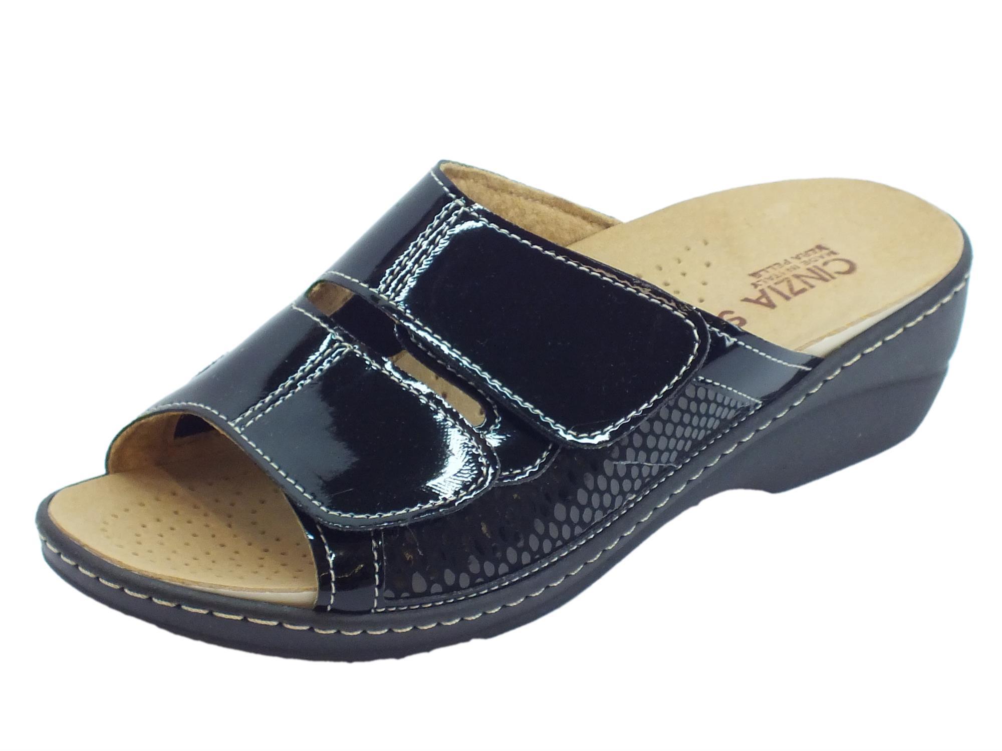 Ciabatte Cinzia Soft in vernice nero sottopiede estraibile doppio strappo 9533454292b
