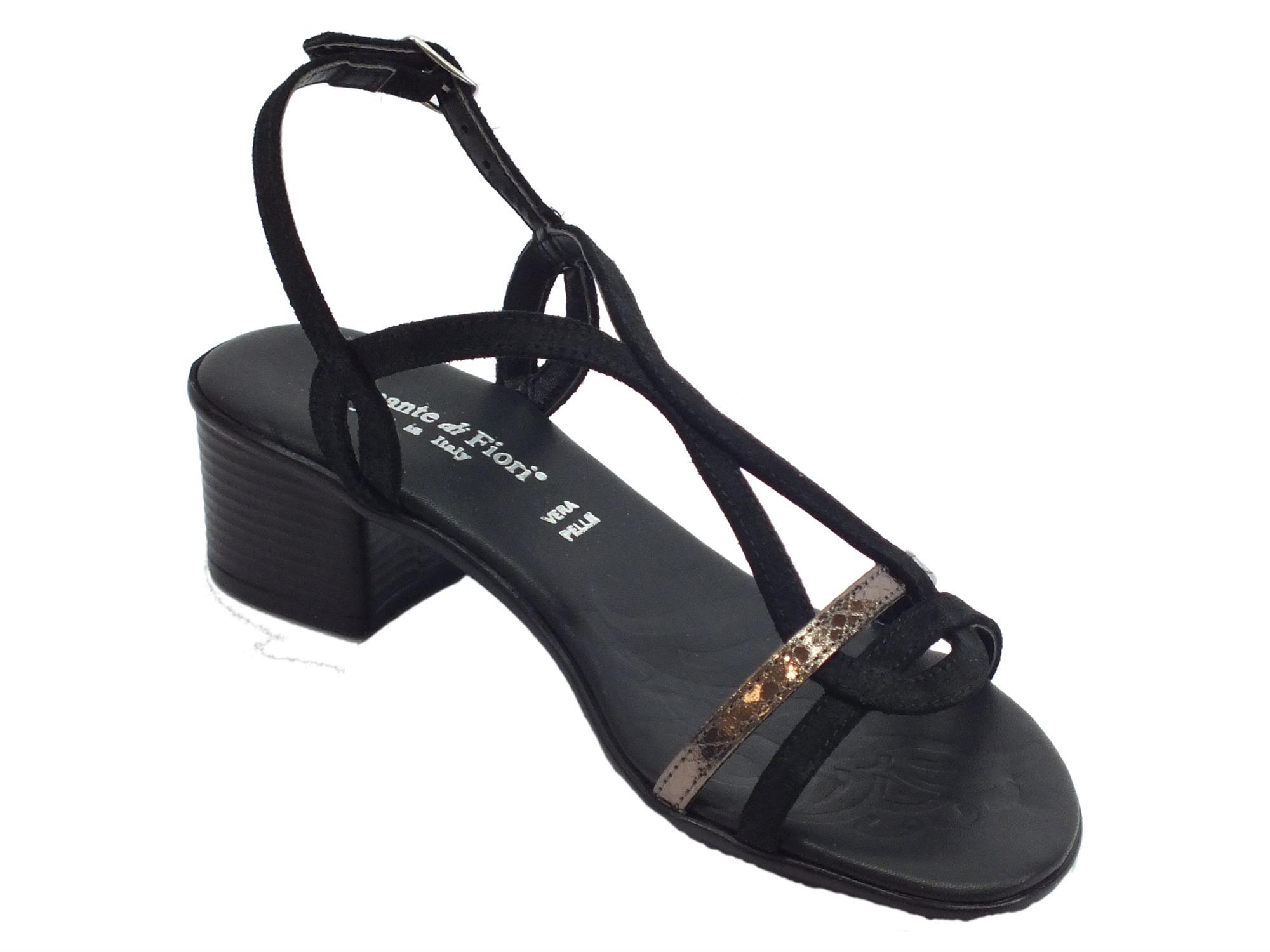 ... Sandali Mercante di Fiori in camoscio e pelle laminata nera tacco basso  ... 8ec07c09a40