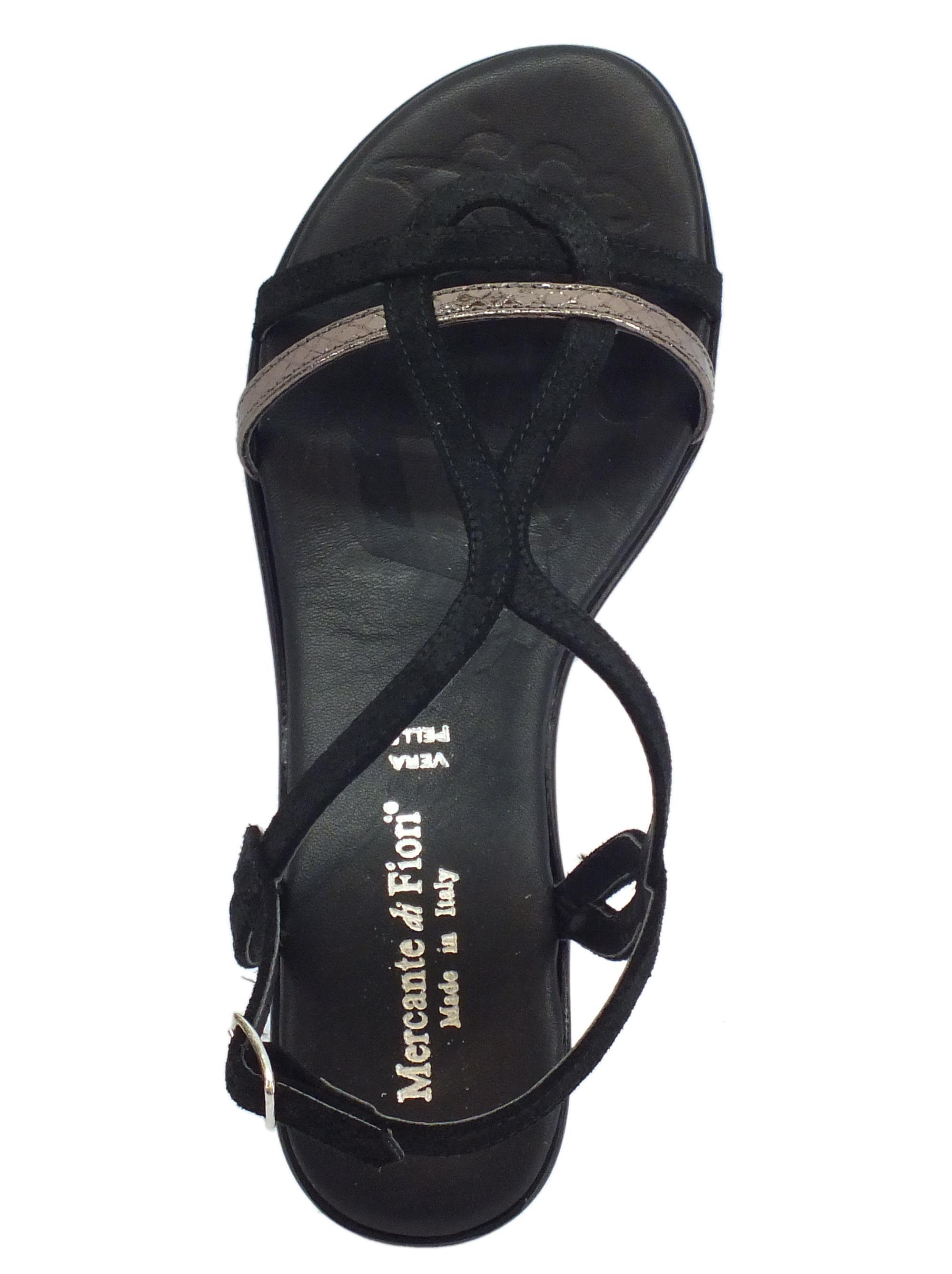 ... Sandali Mercante di Fiori in camoscio e pelle laminata nera tacco basso fcd538fcff9
