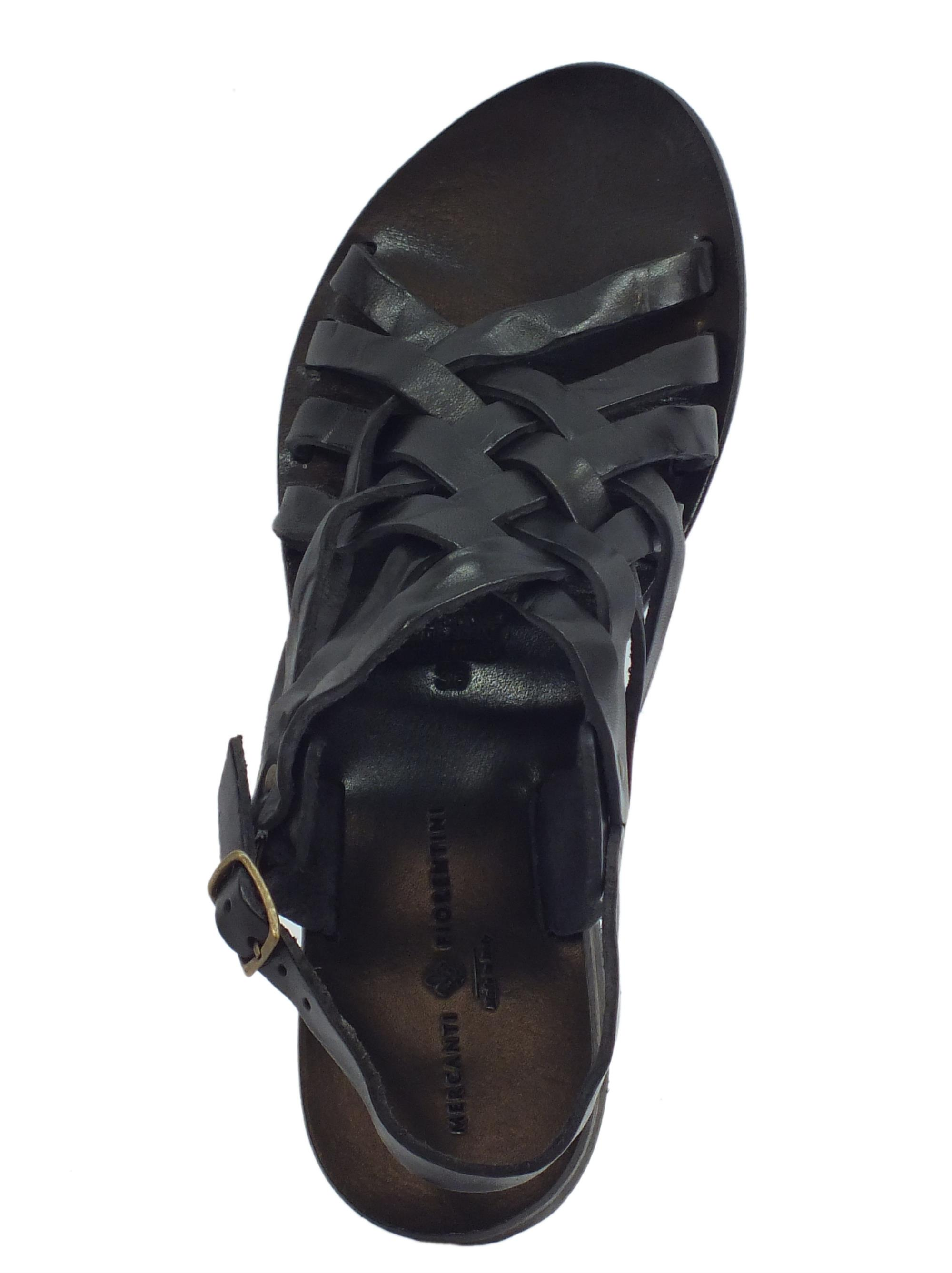 ... Sandali artigianali Mercanti Fiorentini in pelle tuffata nero fondo  cuoio tacco basso ... 9805ce49f31