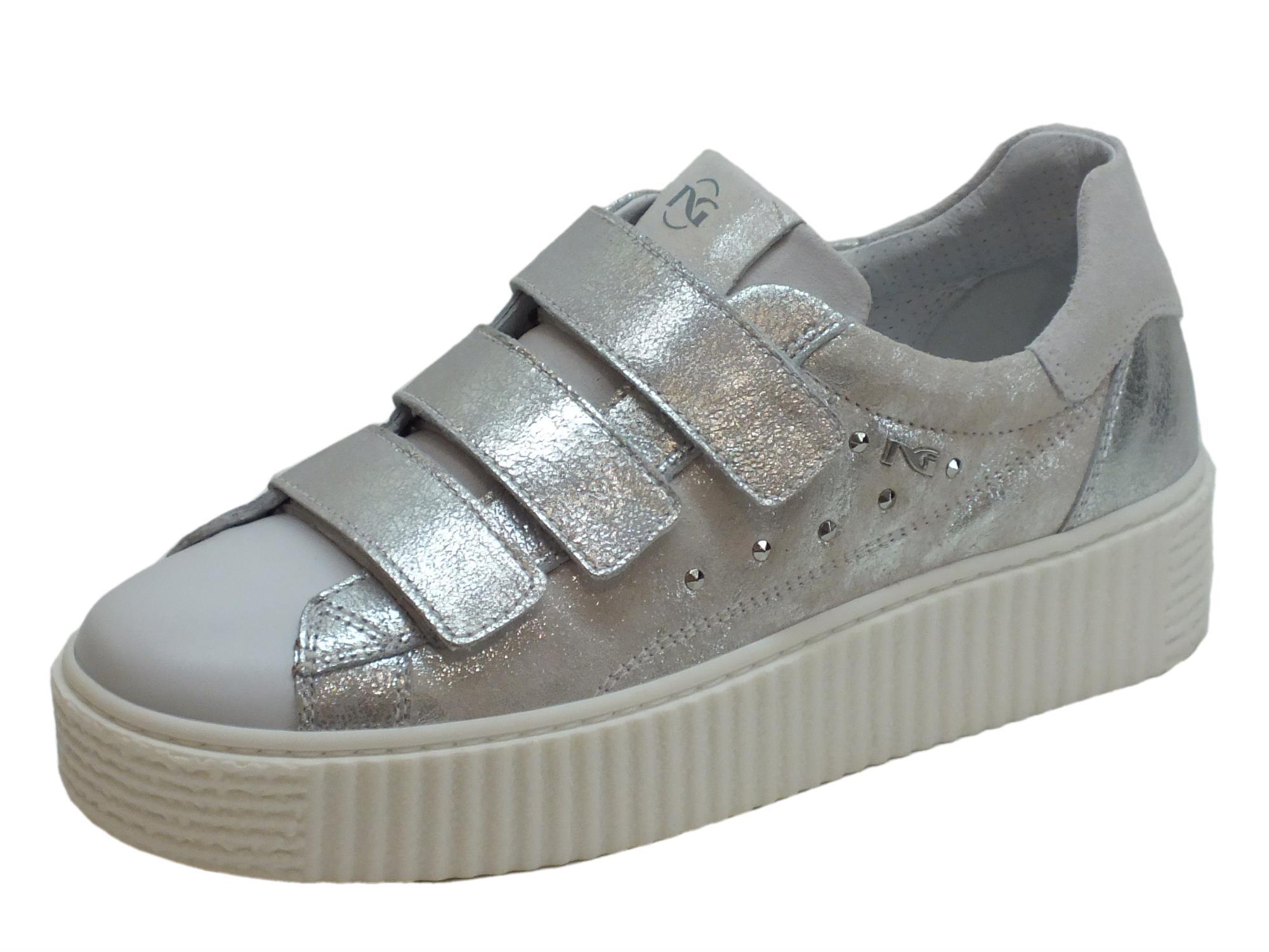 Sneakers NeroGiardini per donna in pelle bianca ed argento spazzolato