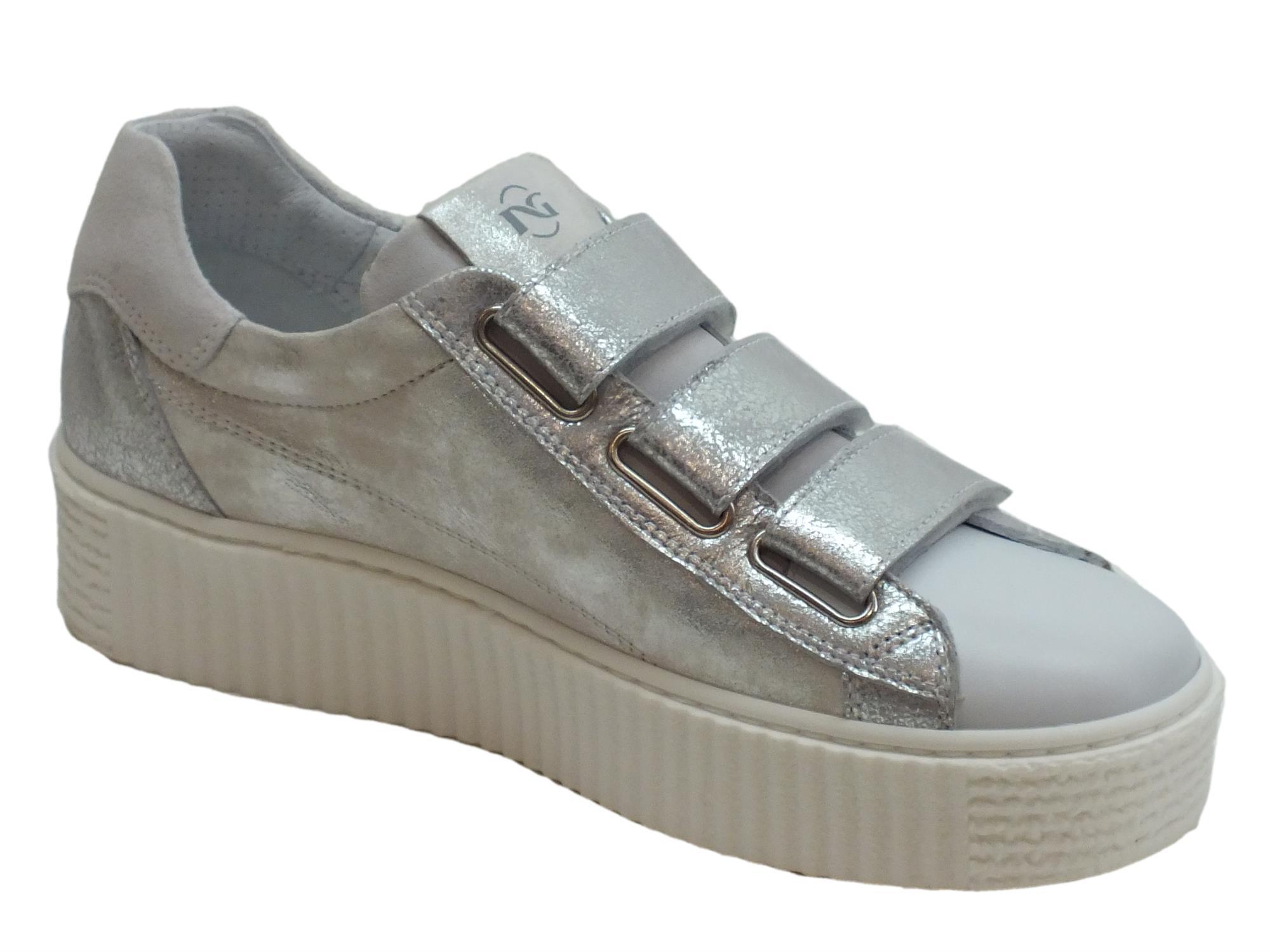 ... Sneakers NeroGiardini per donna in pelle bianca ed argento spazzolato  ... 159ee30feb5