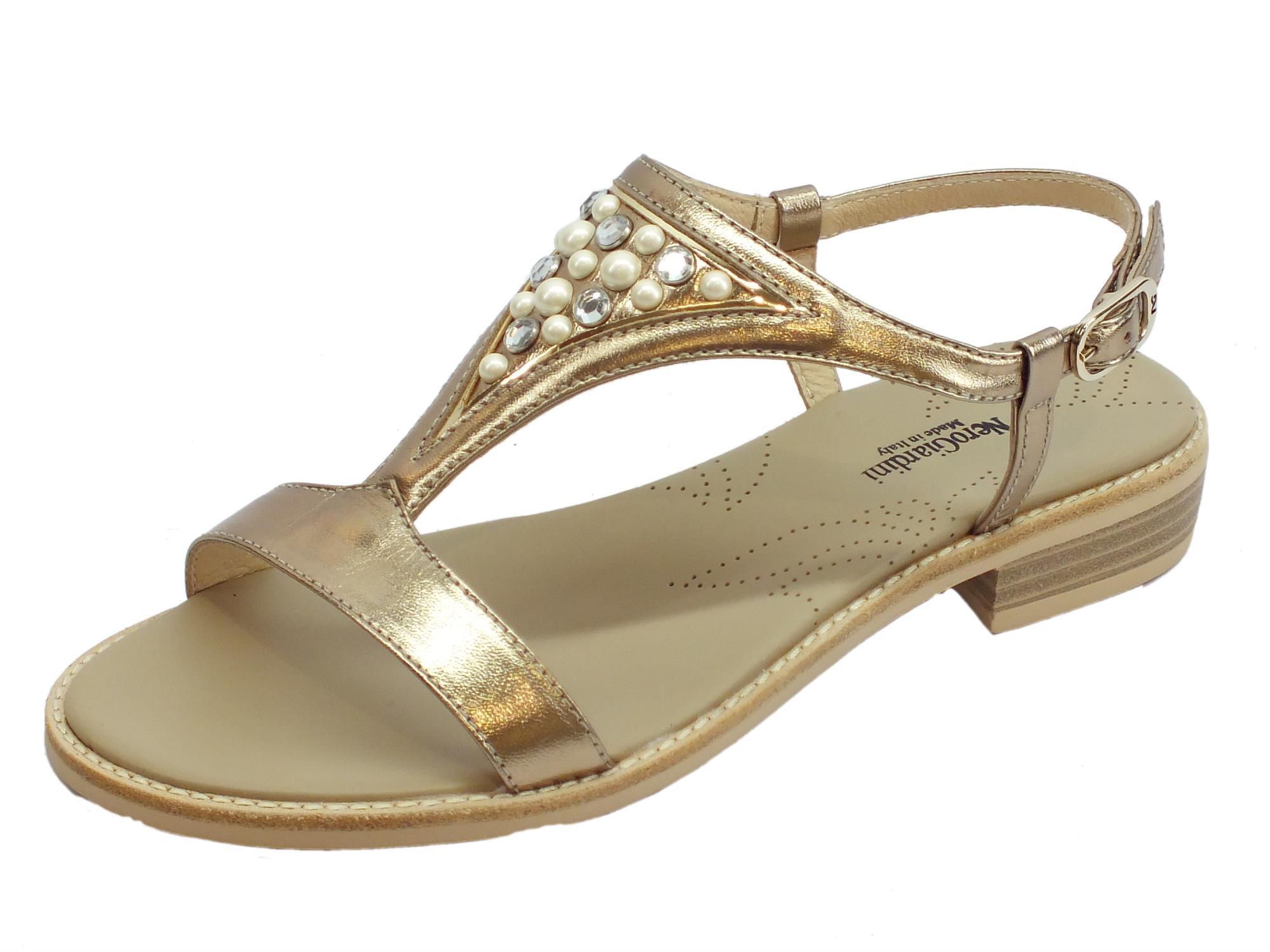 Sandali donna NeroGiardini in pelle colore sandalo tacco basso