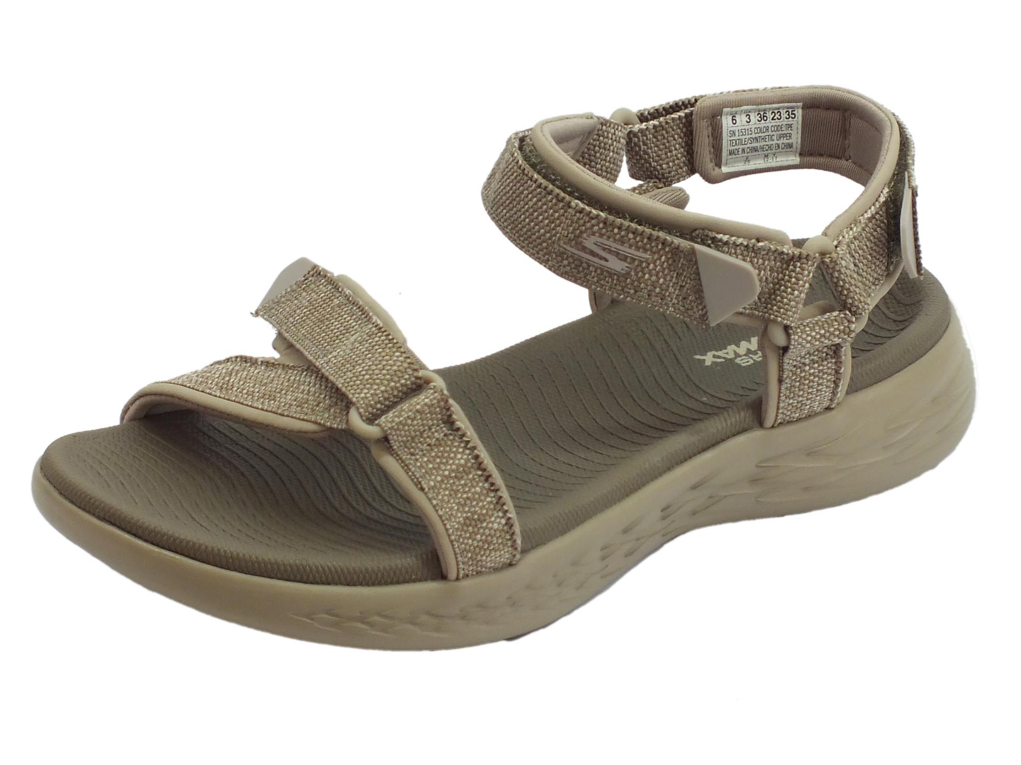 Sandali Radiant Skechers on the go per donna in tessuto taupe zeppa bassa