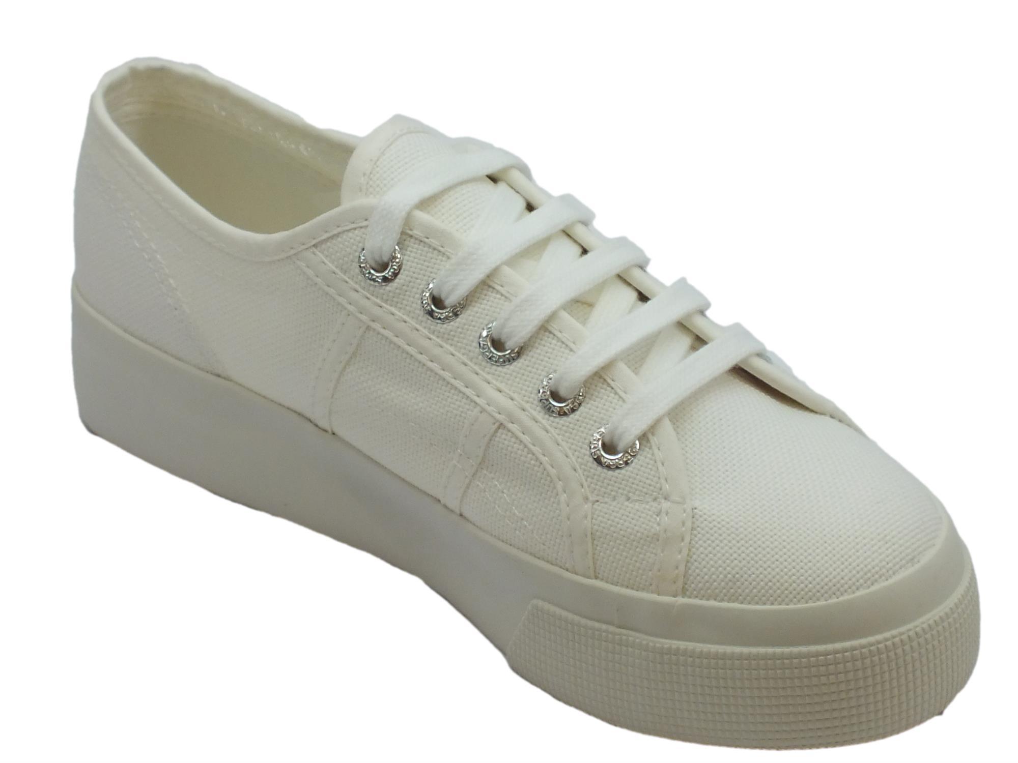 ... Scarpe sportive Superga per donna in tessuto bianco con zeppa media ... c9cb6a98817