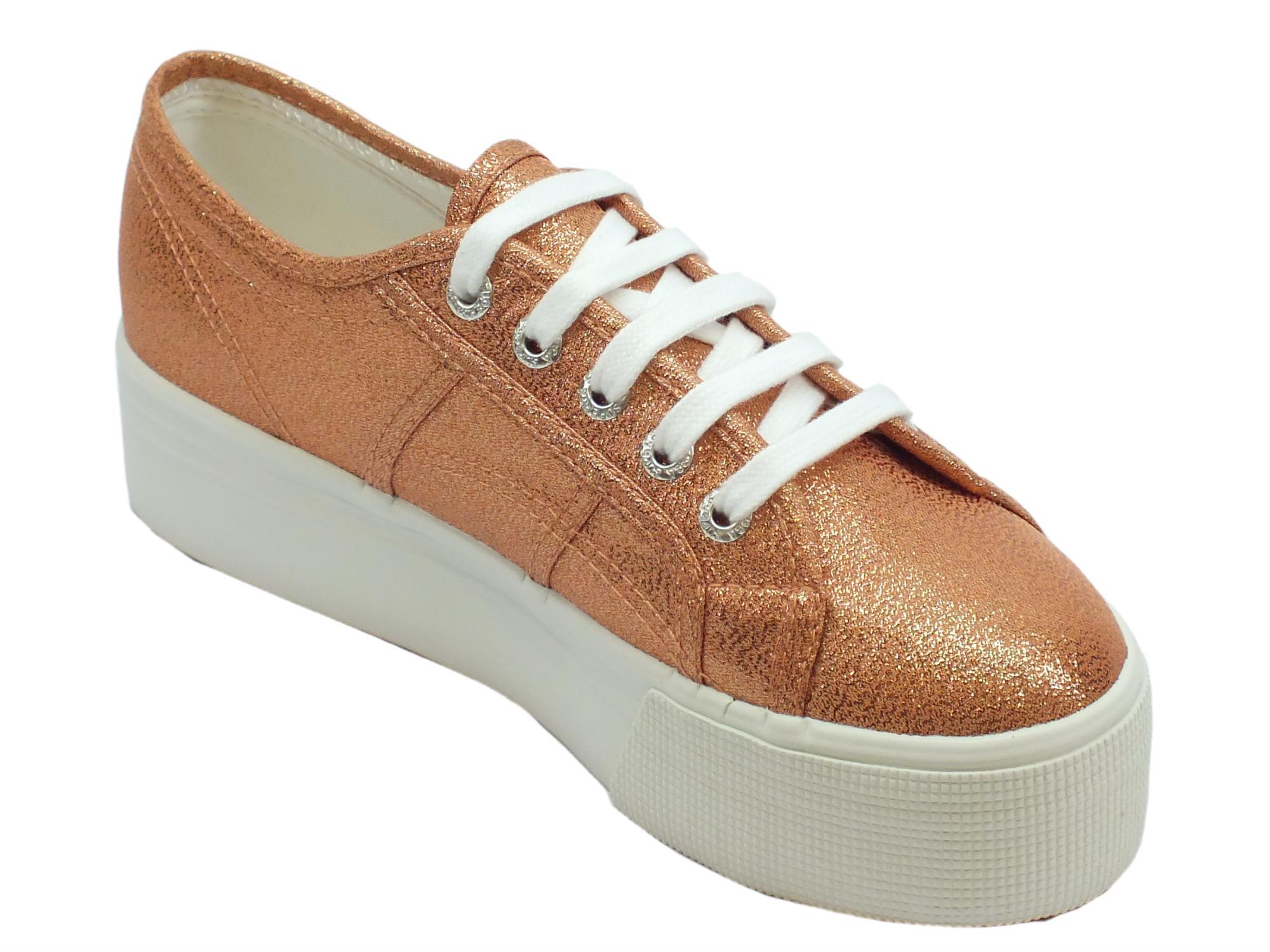 ... Sneakers Superga per donna in tessuto laminato rose gold zeppa alta ... 3e1864b92b7