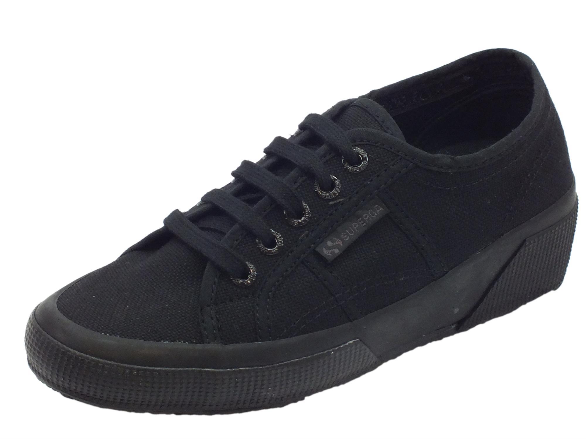 Sneakers Superga modello classico per donna in tessuto nero