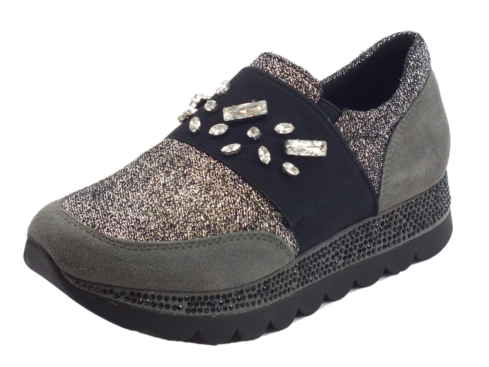 detailed look 39ca7 cc52a Sneakers per donna Cafè Noir in tessuto nero-argento e camoscio grigio