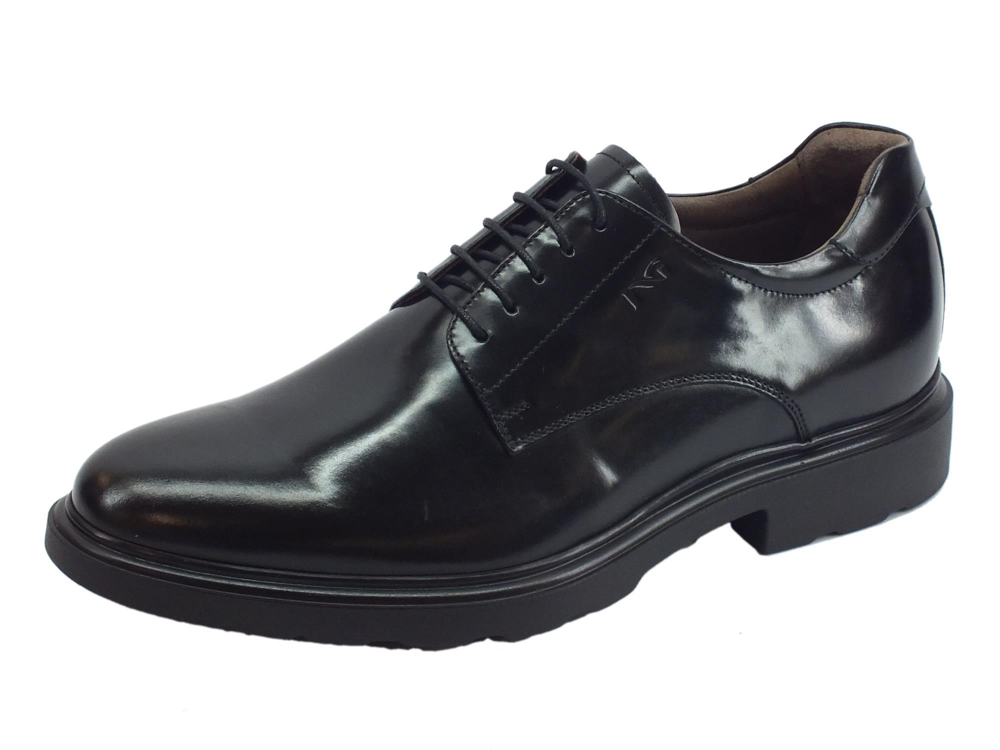 Scarpe NeroGiardini per uomo in pelle abrasivata nero modello classico 345943e716b