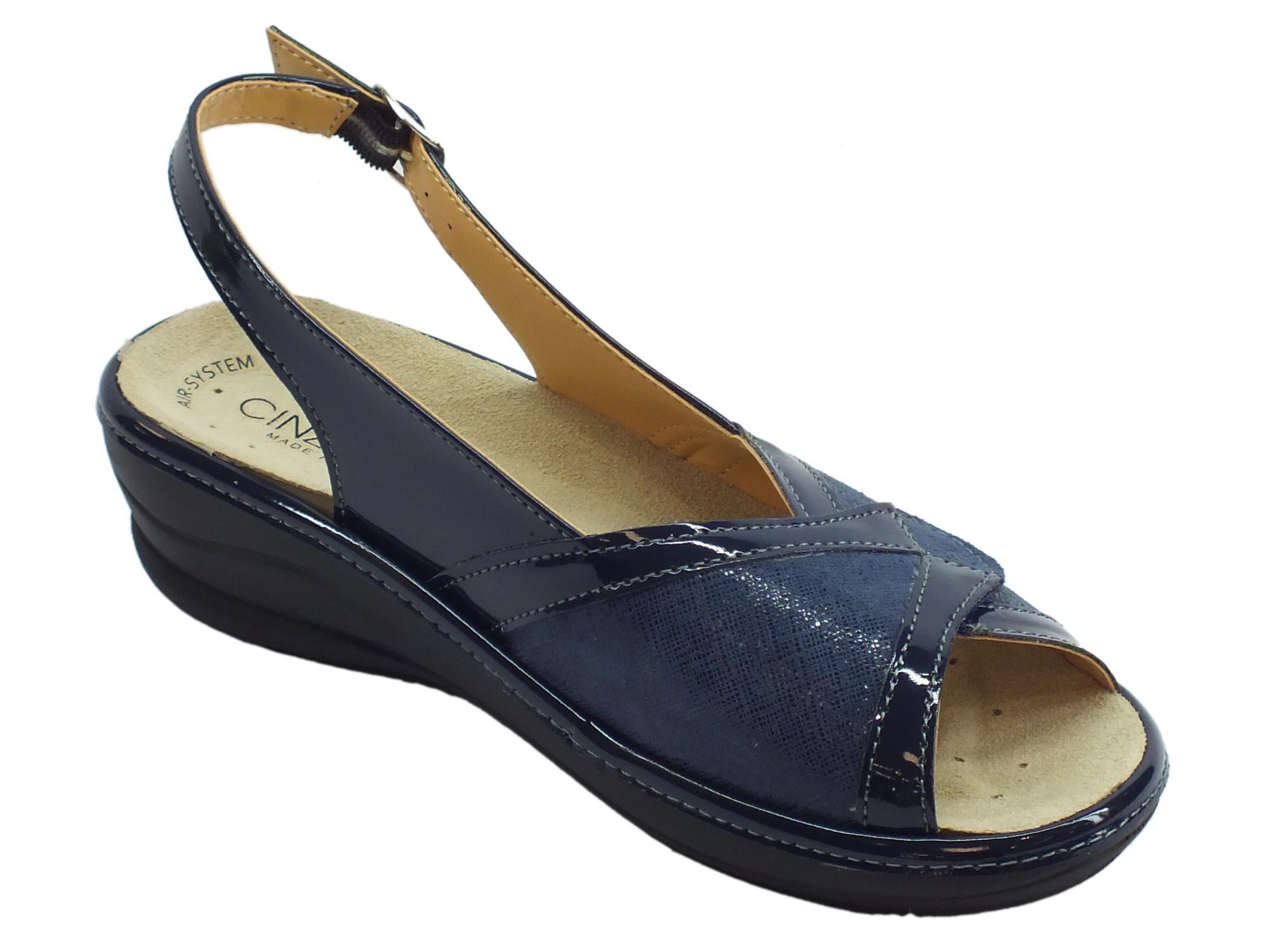 ... Cinzia Soft sandali linea comoda vernice e tessuto elasticizzato blu  fondo antiscivolo ... 0e710fe85e6