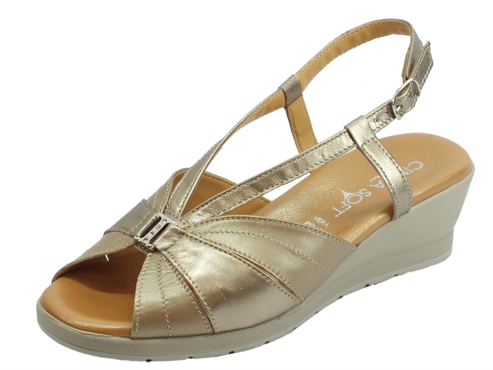 9694a5be81717 Cinzia Soft sandali pelle colore oro perla zeppa media - Vitiello ...