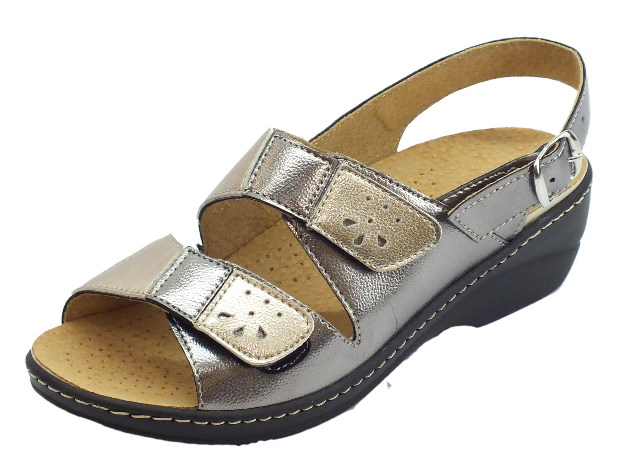 1730af0e50a49 Cinzia Soft sandali linea comoda doppio stretch e fibbietta sottopiede pelle