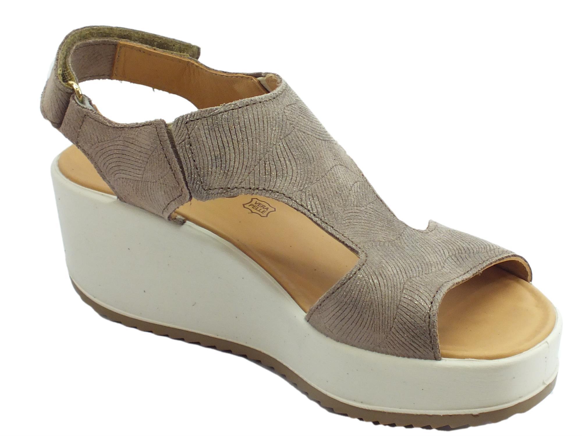 Sandali per donna Igi&Co in pelle scamosciata visone con lavorazione zebrata