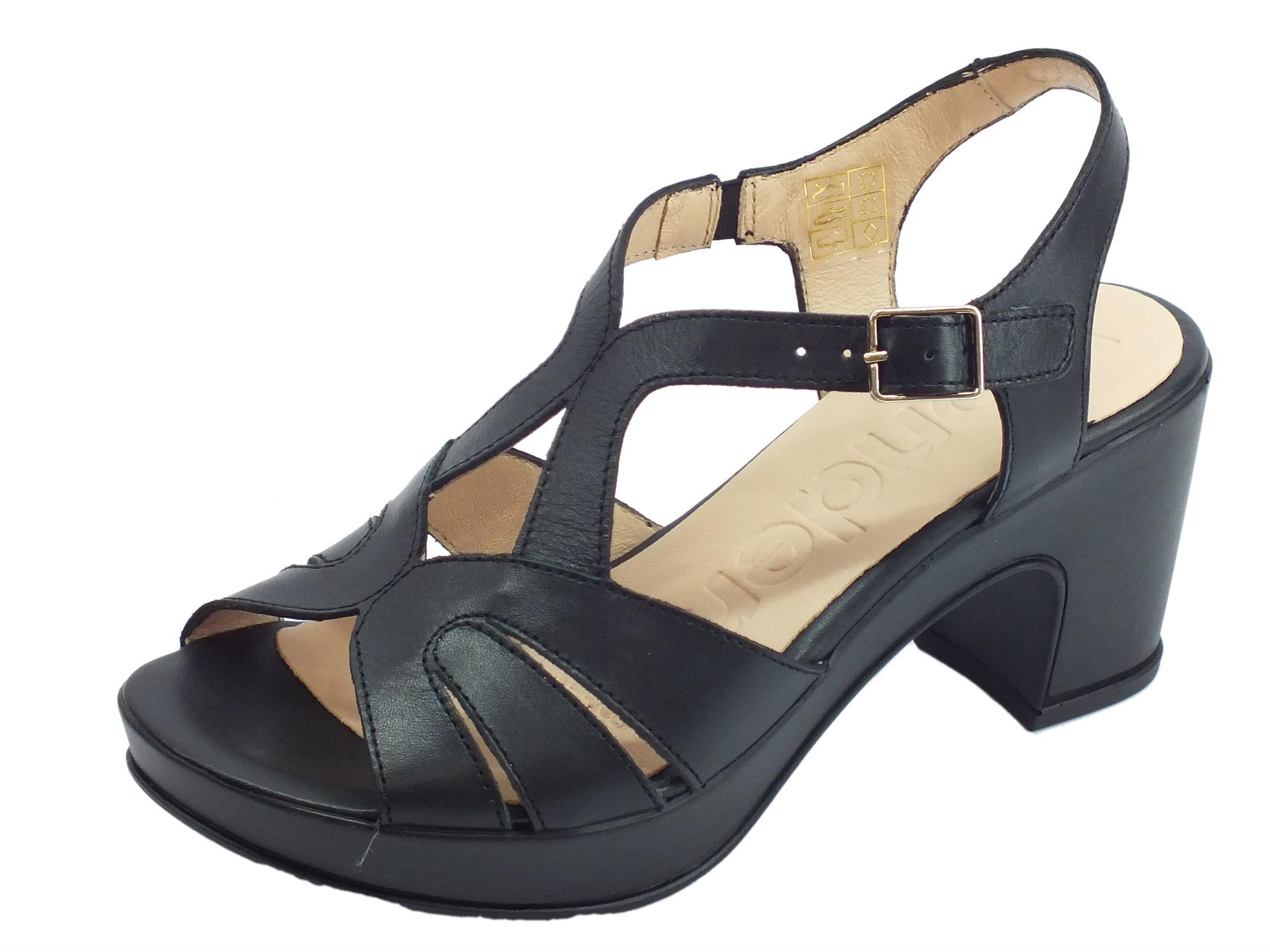 ca2359cbc4f2 Wonders Pergamena sandali con comodo tacco alto per donna in pelle nera