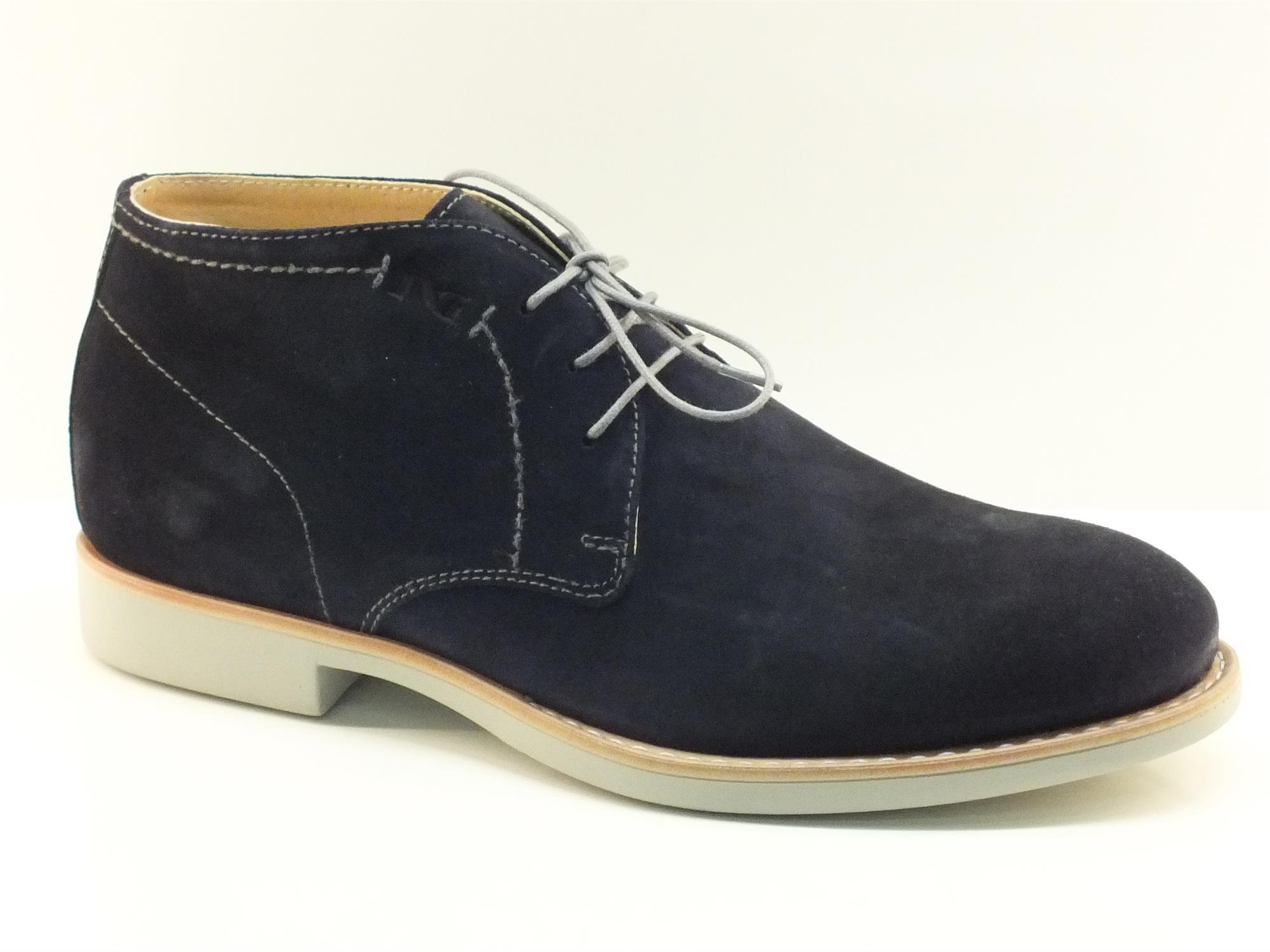 Scarpe Nero Giardini modello polacchina per uomo in camoscio rasato blu 4f2c999694b