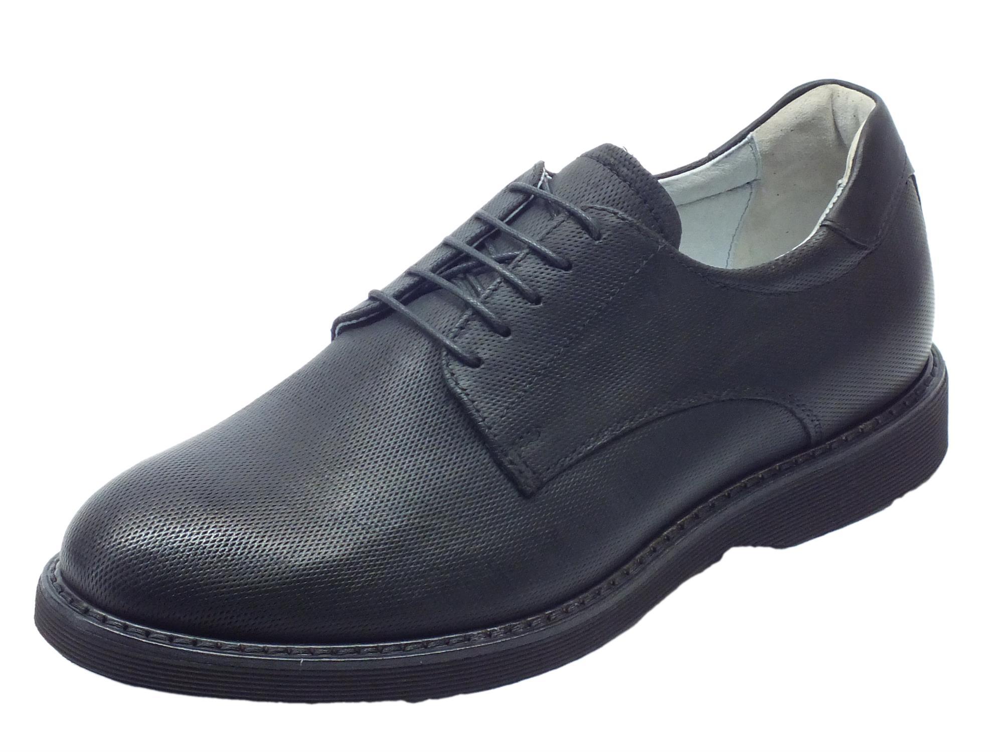 2766ffa5de Scarpe eleganti NeroGiardini per uomo in pelle nera microforata