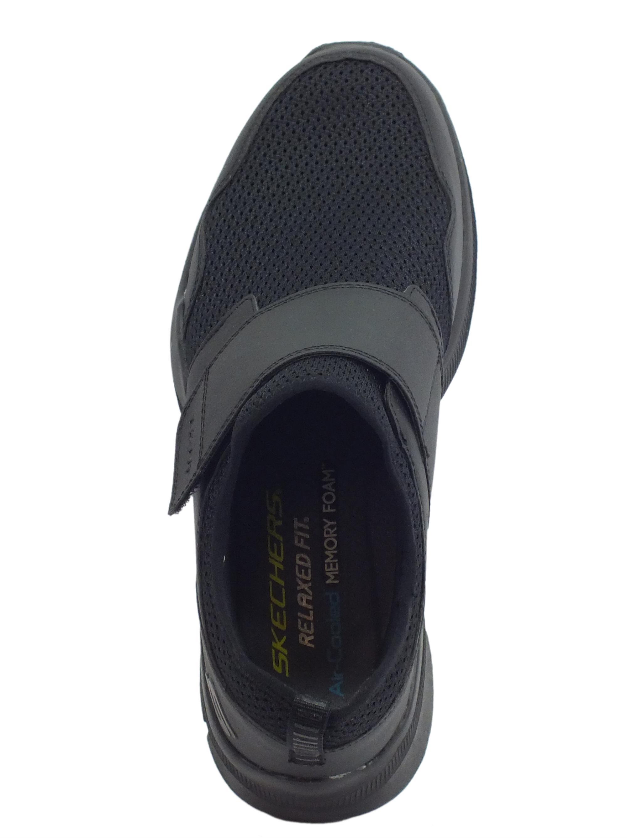 ... Scarpe Skechers RelaxedFIT BERNARE per uomo in tessuto nero chiusura a  strappo fb65bbb3b0e