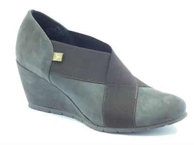 Scarpe Cinzia Soft per donna in camoscio taupe zeppa alta