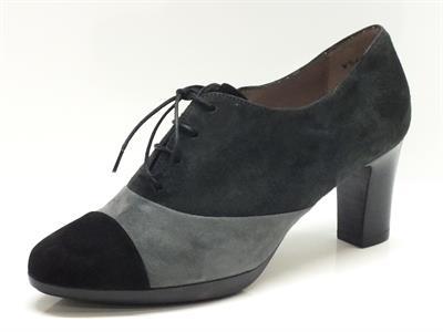 Scarpe Melluso modello francesina per donna in camoscio grigio e nero