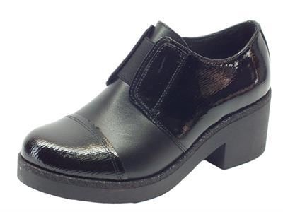 Articolo Scarpe Mercante di Fiori in pelle e vernice nero con calzata veloce