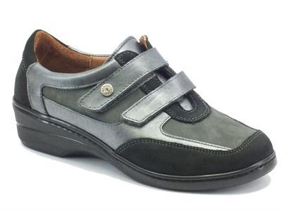 Scarpe per donna Cinzia Soft in nabuk nero e grigio con doppio strappo