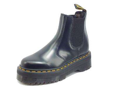Articolo Dr. Martens 24687001 2976 Quad Black Polished S. Scarponcino per Donna modello Beatles in pelle