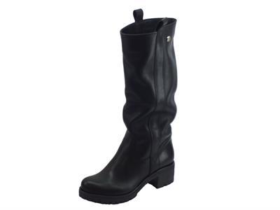 Articolo Stivali Deky per donna in pelle morbida nera fondo roccia gambale lungo