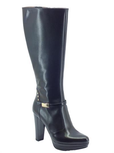 Articolo Stivali NeroGiardini modello elegante in pelle nera con tacco alto e plateau