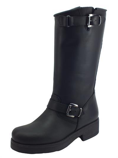 Articolo STM Stivali modello Cavallerizzo Medio per Donna in nabuk nero con fibiette e fondo medio