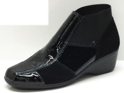 Articolo Tronchetti Cinzia Soft in vernice nera con zeppa 4cm