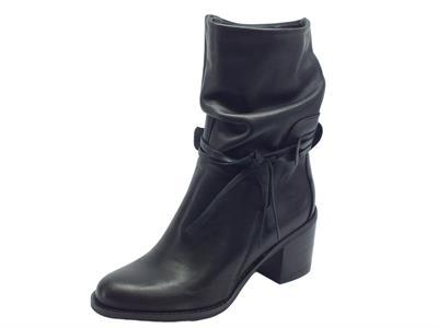 Articolo Tronchetti per donna Vitiello Calzature in pelle nera realizzati in Italia