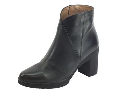 Articolo Wonders M-3727 Velvet Negro Tronchetti  Donna in pelle nera con lampo tacco alto