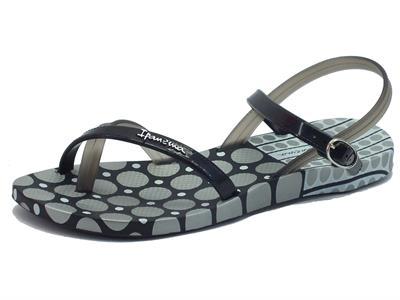 Articolo Infradito per donna Ipanema modello sandalo in caucciù nero