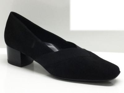 Articolo Ara décolleté per donna in pelle nero con tacco comodo