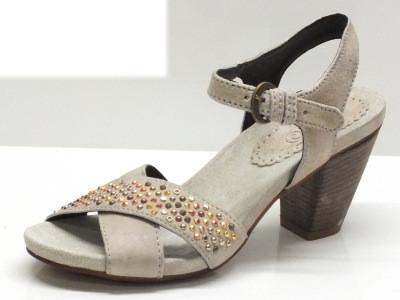 Articolo Khriò sandali in camoscio beige con tacco alto