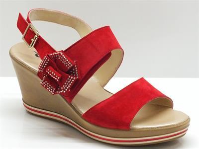 Articolo Sandali Confort in camoscio rosso chiusura velcro zeppa 7cm