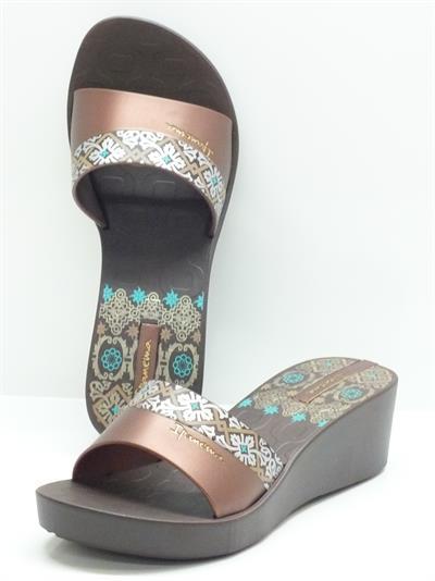 Sandalo per donna iPanema in caucciù bronzo con fantasia grigia e bronzo zeppa 5cm