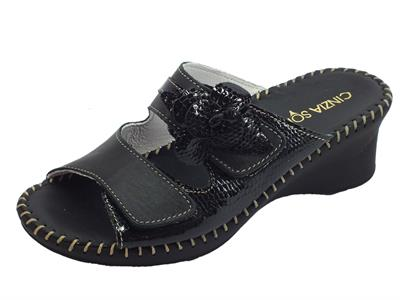 Articolo Cinzia Soft sandali per donna in pelle nera doppio chiusura a strappo fondo anti shock