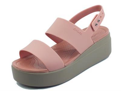 Articolo Crocs brooklyn low wedge pale blush Sandali per Donna in gomma rosa con zeppa
