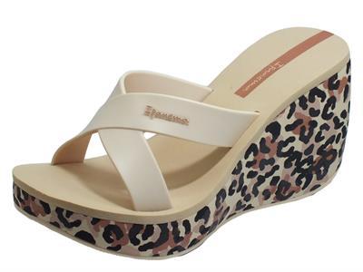 Articolo Ipanema 82856 Lipstick Straps VI Fem Beige Sandali Grendene Donna zeppa alta leopardaro
