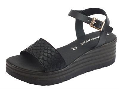 Articolo Mercanti di Fiori sandali donna in pelle effetto pitonato nero zeppa alta