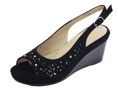 Sandali Melluso modello Giglio elegante in camoscio nero con inserti e zeppa alta