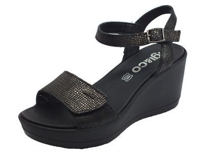 Sandali per donna Igi&Co in pelle antracite effetto tela doppia chiusura a strappo zeppa alta