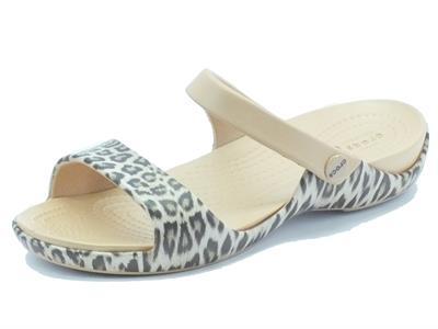 Articolo Sandali Crocs per donna in gomma beige effetto maculato