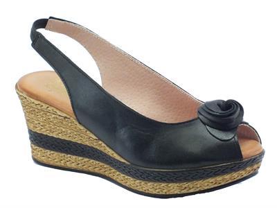 Sandali Mercante di Fiori per donna in pelle colore nero zeppa media